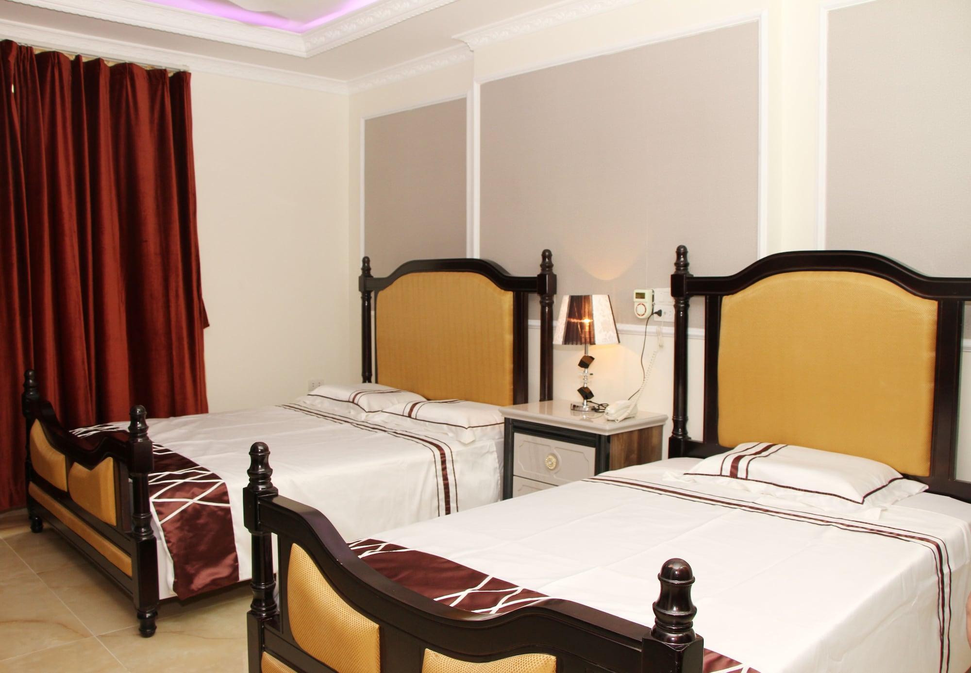 Nam Cuong X Hotel, Cầu Giấy