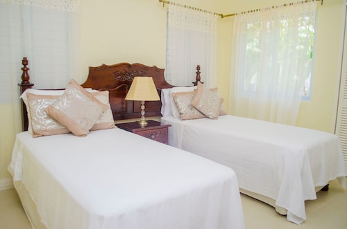Ocho Rios Treasure Villa at Coolshade XII,