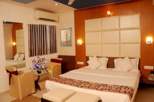 Silver Sand Hotel, Rajkot