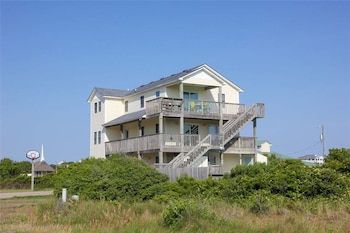 Sunny Daze Ocean View Home 7 Bedrooms 5 Bathrooms Home