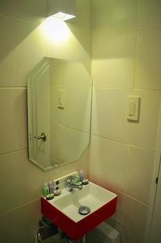LA BELLA BOUTIQUE HOTEL Bathroom Sink