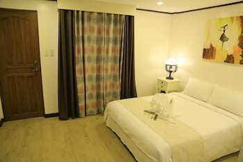 LAKEVIEW SUITES Room