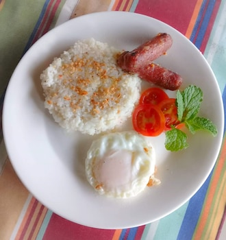 CALIRAYA ECOVILLE RECREATION AND FARM RESORT Breakfast Meal