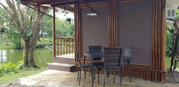 CALIRAYA ECOVILLE RECREATION AND FARM RESORT Terrace/Patio