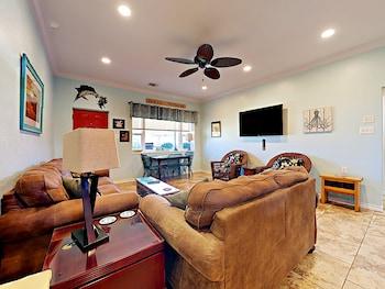 41Ir: Beach Retreat - Three Bedroom Home