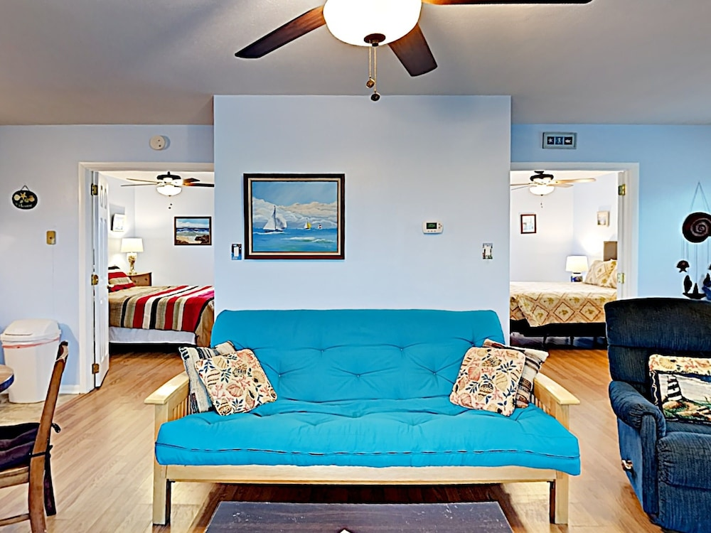 Deckhouse - Two Bedroom Home