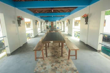 247 BALIKBAYAN FUN RESORT Restaurant