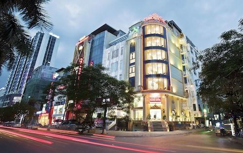 DLmos Hanoi Hotel, Từ Liêm