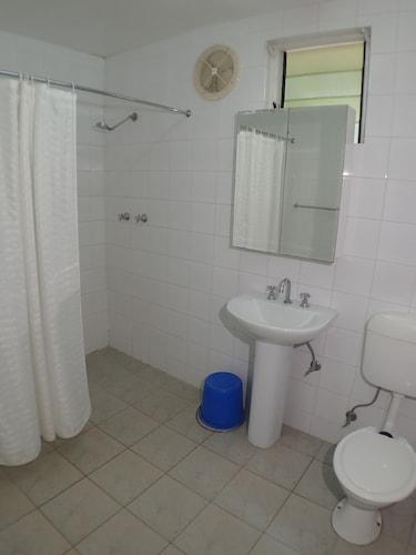 Taklam Lodge, Kokopo