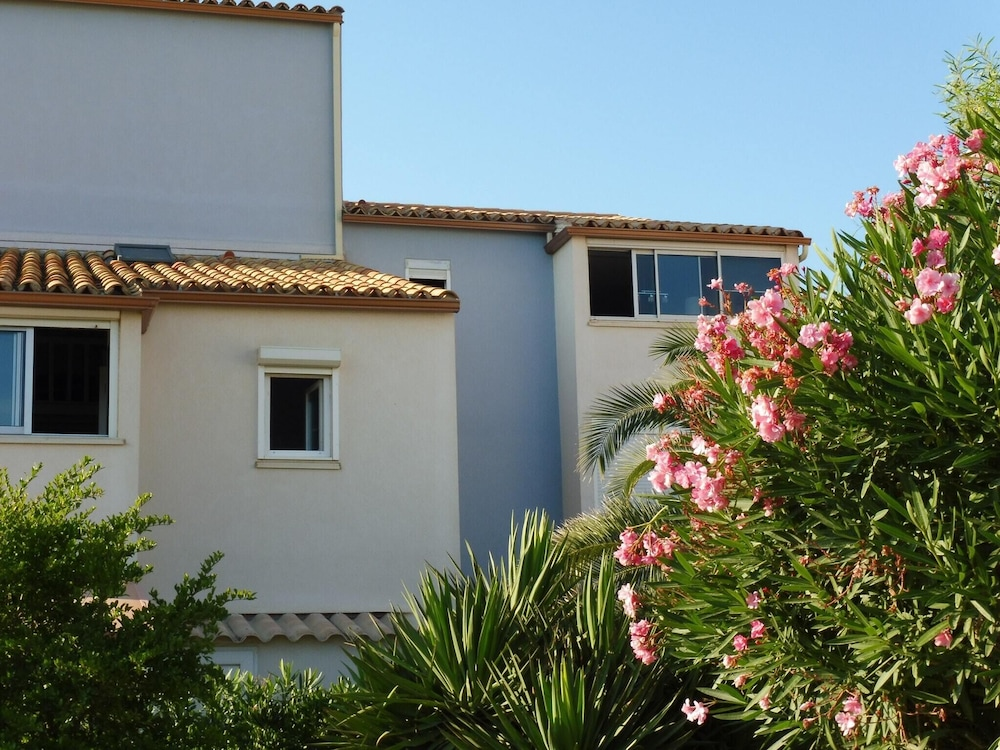 Apartment With one Bedroom in Narbonne, With Wonderful sea View, Balcony and Wifi - 50 m From the Be