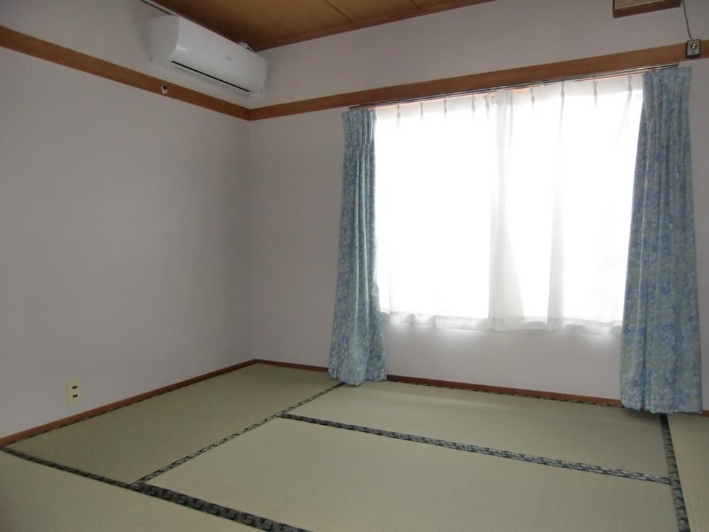 Japanese Style Room for 3 Guests (with 3 futons and Private Bathroom; Japanese style Toilet)