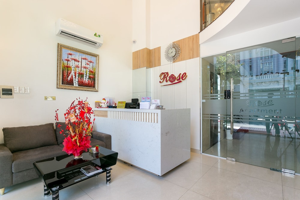 OYO 184 Rose Apartment