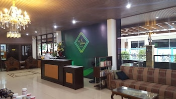 THE PREMIERE BUSINESS HOTEL Reception