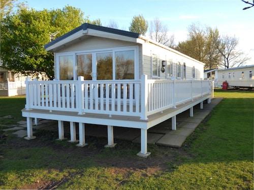 Caravan Hire at Southview Leisure Park, Lincolnshire