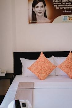 NAVSOT HOTEL Room