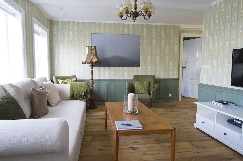 Briet Apartments