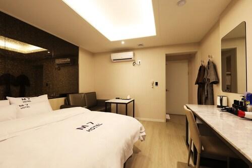 M7 hotel, Yongin