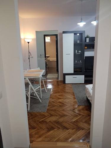 . Apartament Alina