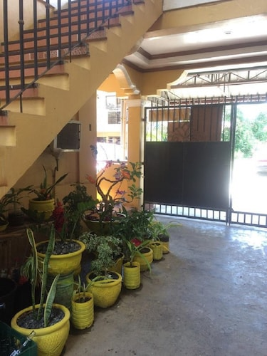 Sunrise Apartelle, Olongapo City