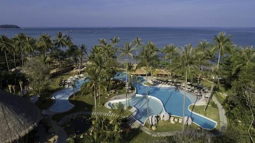 . Eden Beach Resort and Spa