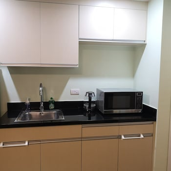 ABREEZA PLACE DAVAO CONDO Private Kitchen