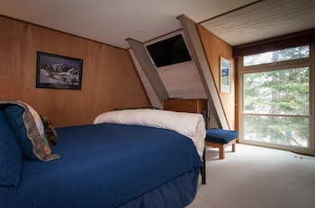 Blue Lake Lodge 4 Bedrooms 2 Bathrooms Home