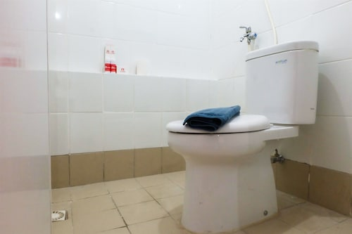 Modern Room Bassura Apartment With Direct Access To Shopping Center, Jakarta Timur