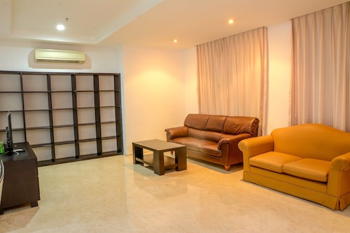 Spacious FX Residence with Mall Access, Jakarta Pusat