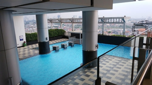 Pool View Cosmo Terrace Apartment at Thamrin City, Jakarta Pusat