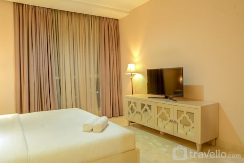 Spacious Four Winds Apartment with City View, Jakarta Selatan
