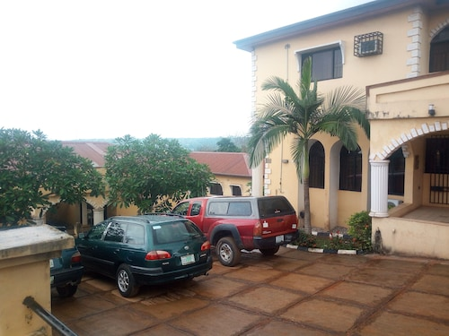 Blue Banana Resorts, Obafemi-Owode