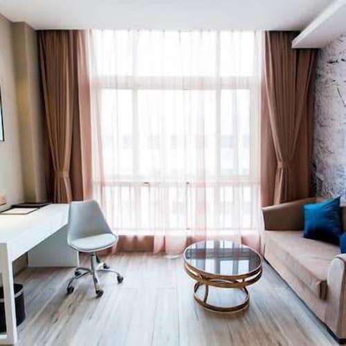 Rihiveli Hotel, Yantai