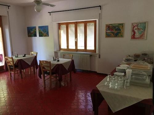 Hotel Lunika, Fermo