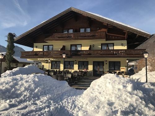 . DEVA Hotel-Restaurant Fischerwirt