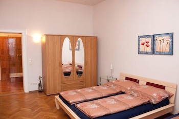 Basic Apartment, 2 Bedrooms, Terrace, City View (Top 6)