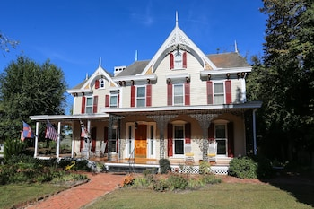 Hotel - River House Inn Bed & Breakfast
