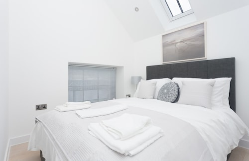 Bright, Newly Refurbished Townhouse in Bath, Bath and North East Somerset