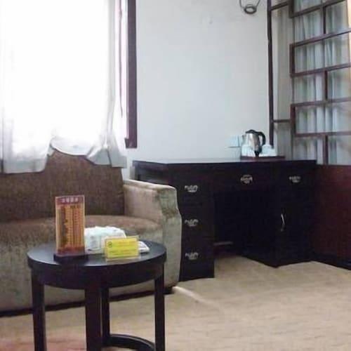 Qingcheng · Tiangu Hotel Dujiangyan, Ngawa Tibetan and Qiang