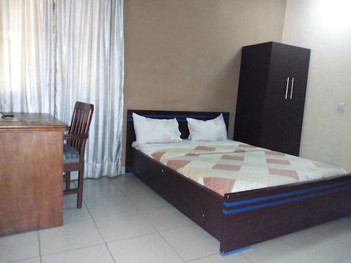Holla-Jobi Guest House, Oshodi/Isolo