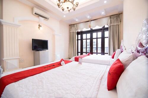 RedDoorz near Pico Plaza Cong Hoa, Tân Bình