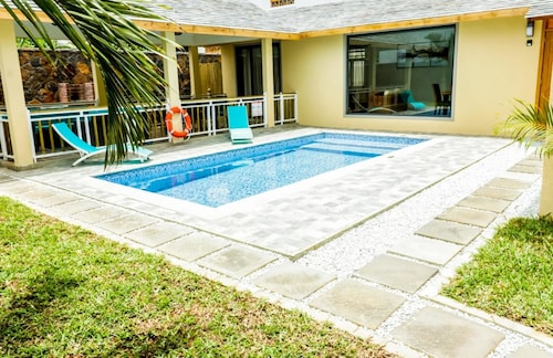 Villa With 3 Bedrooms in Pointe aux Canonniers, With Private Pool, Enc,