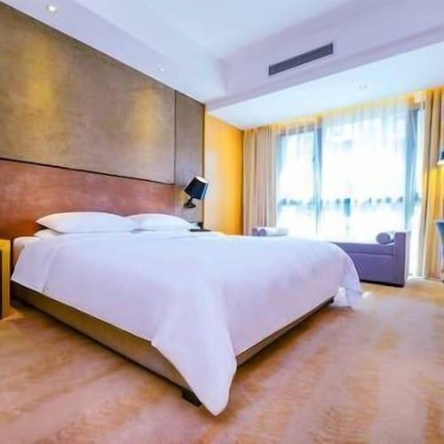 Cypress Hotel, Chongqing