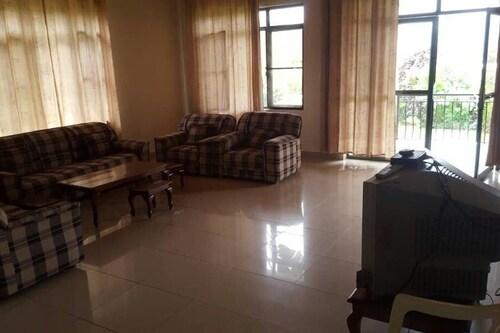 Nicksters Home Inn, Nyarugenge