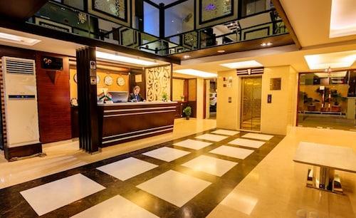 . Hotel Prem Plaza
