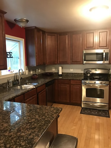 Annapolis home with many amenities, Anne Arundel
