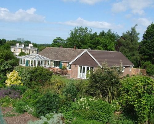 Courtlands Nurseries Bed and Breakfast, West Sussex