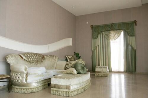 . Hotel Eleon