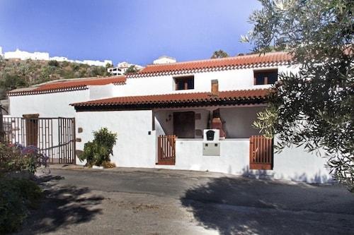 . Casa Emblemática en Hoya de Tunte. 2