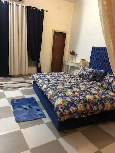 Aimys Villa Guest House, Multan