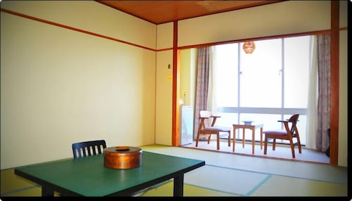 Hotel Shiroitodai, Minami
